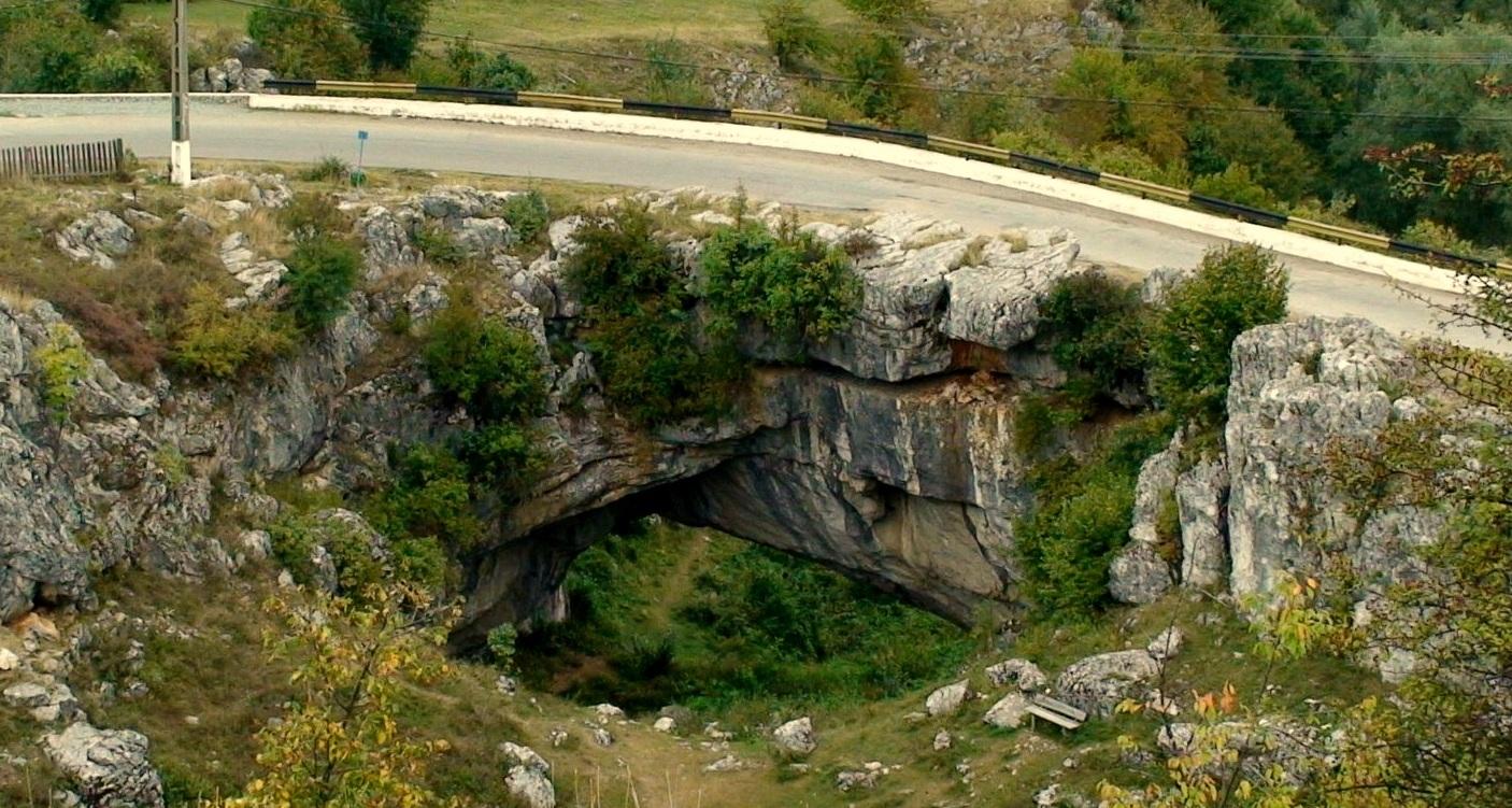 Top 10 destinatii turistice din Romania - Podul lui Dumnezeu